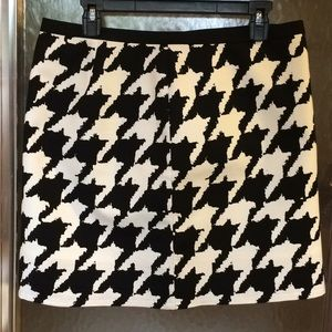 The Limited Black & White Houndstooth Skirt 10